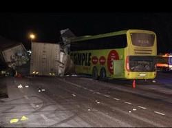 В Эстонии автобус с россиянами столкнулся с грузовиком