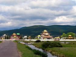 В Бурятии туристов из Монголии ограбили вооруженные бандиты в масках