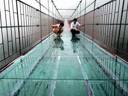 В Китае построен ещё один стеклянный мост