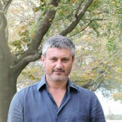 Никос Леонов