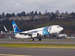 Угонщик египетского самолета угрожал муляжом пояса смертника