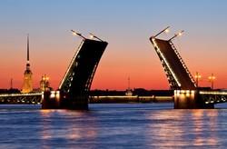 Разводить мосты в Петербурге начнут 10 апреля