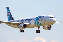 Самолет EgyptAir пропал с экранов радаров по пути из Парижа в Каир