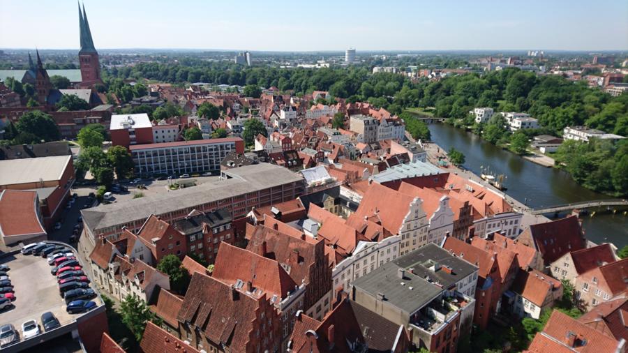 Средневековый город — Википедия