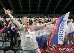 Болельщиков из РФ депортируют из Франции