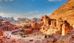 Иордания вводит налог для транзитных туристов