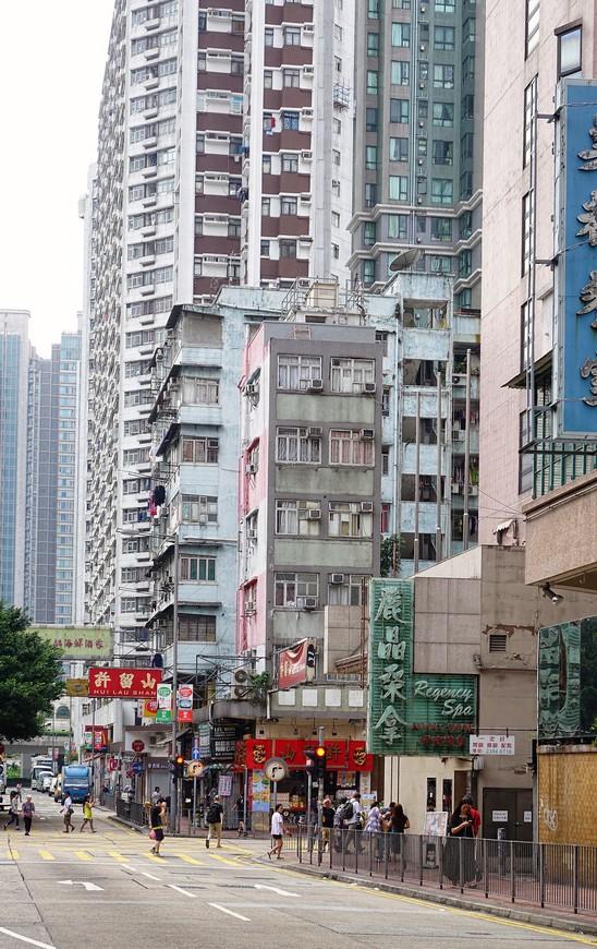 Совсем старое, старое, новое, новейшее - все помещается в один кадр, если ты в Гонконге.