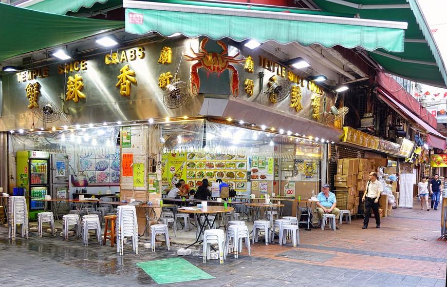 И еда здесь везде вкусная и везде свежая.