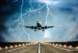 В московских аэропортах задерживаются  около 30 рейсов