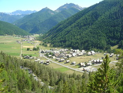 В Альпах мигрант напал с ножом на четырёх француженок из-за одежды