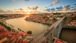 За полгода Португалия приняла 30 тысяч российских туристов
