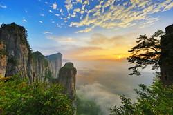 Самый длинный эскалатор в мире появился в Китае