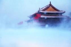 В Пекине из-за снегопада не летают самолеты