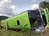 В Непале пассажирский автобус сорвался с высокогорной трассы