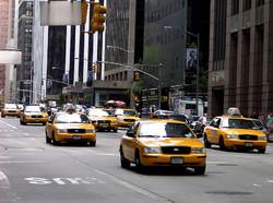 Власти Нью-Йорка будут судить недобросовестных таксистов