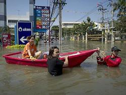 В Бангкоке объявлена эвакуация из-за наводнения