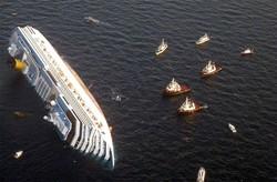 Лайнер Costa Concordia потерпел крушение из-за ошибки капитана (видео)
