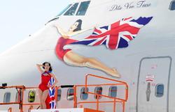 Стюардессы Virgin будут разговаривать с пассажирами шепотом