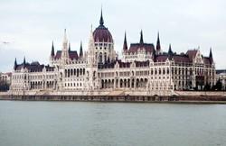 Российские туристы вышли на первое место по продолжительности пребывания в Венгрии