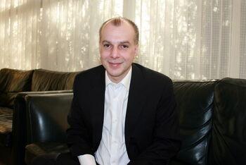 «Русский для нас — не чемодан с деньгами»: интервью с председателем ассоциации отельеров Родоса