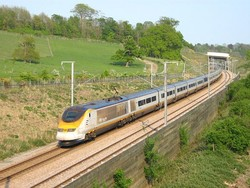 Французские железнодорожники вновь бастуют