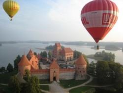 В Вильнюсе туристов катают на воздушных шарах