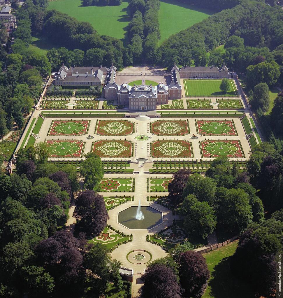 """Фото из альбома """"Замки и дворцы в Королевстве Нидерланды"""""""