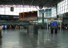 Helsinki-Vantaa_departure_hall2.jpg