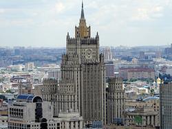 Россиянам планируют оплачивать адвокатов за рубежом