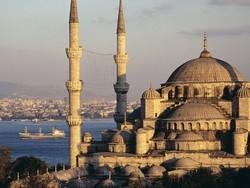 У Голубой мечети снесут один из минаретов