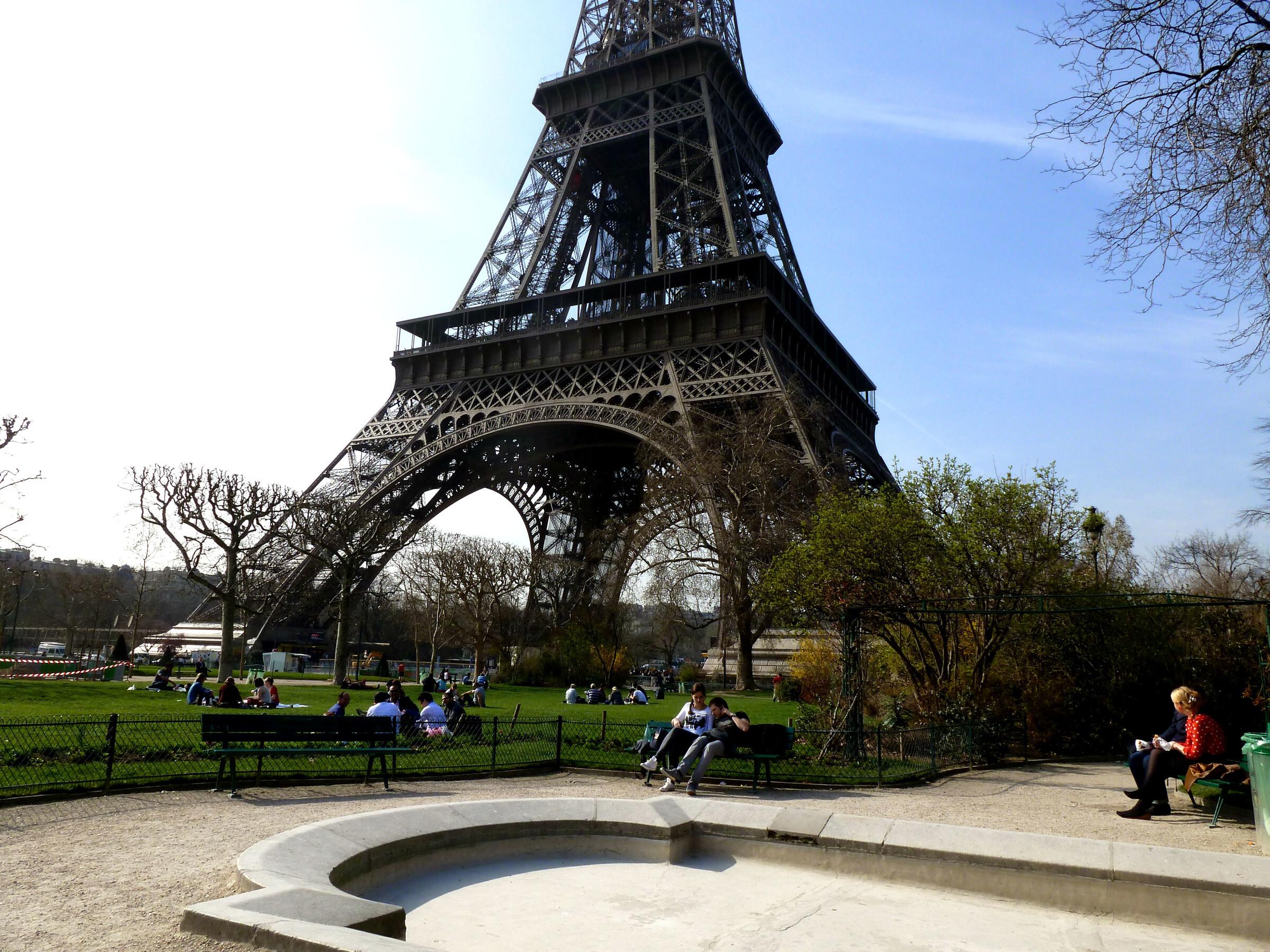 природа страны архитектура Марсово поле Париж Франция  № 824092 бесплатно