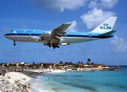 KLM начнет брать плату за пассажирский багаж