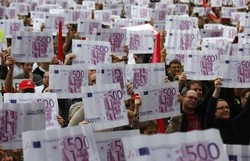 Латвия со следующего года переходит на евро