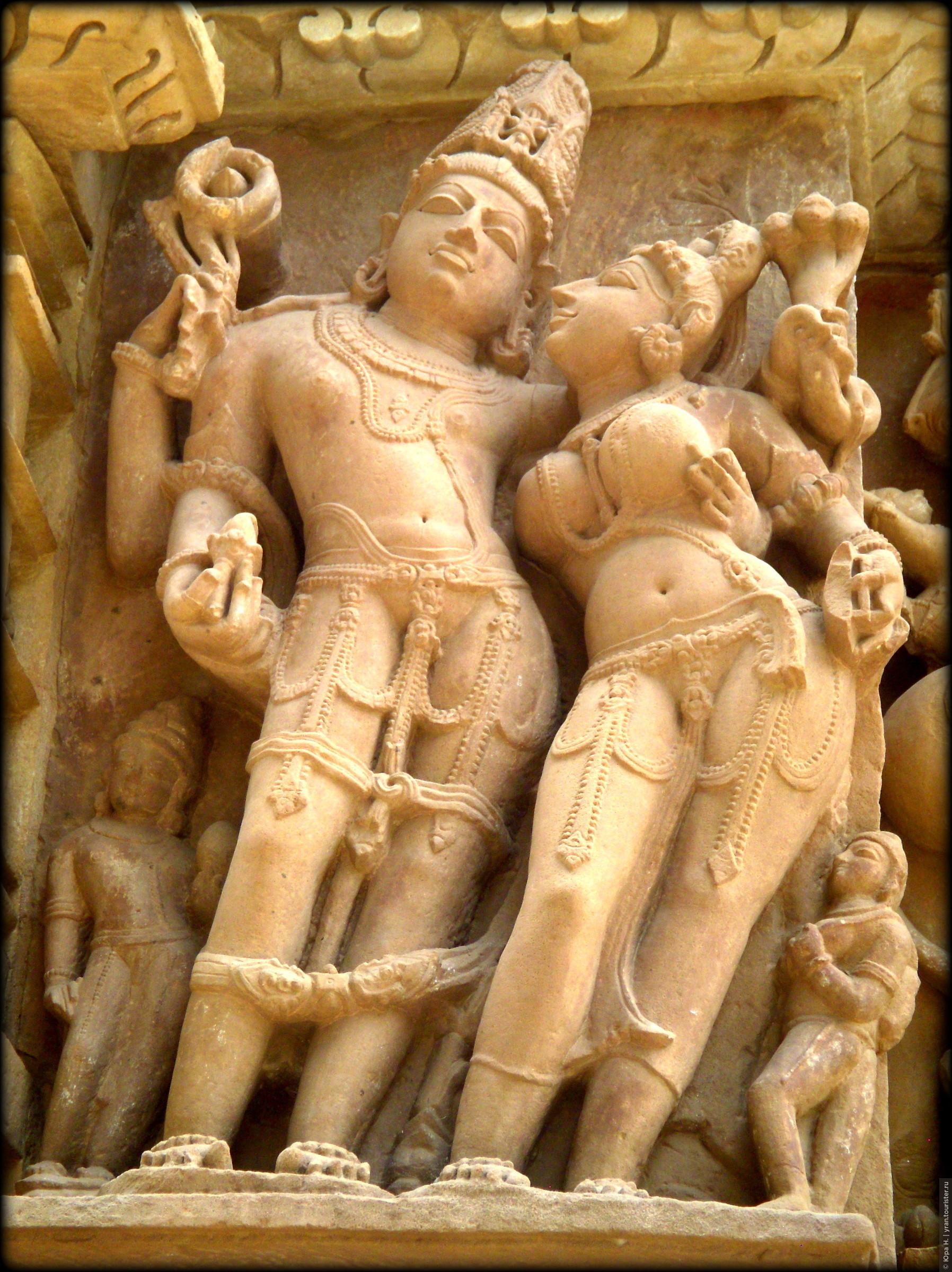 eroticheskiy-hram-v-indii-foto