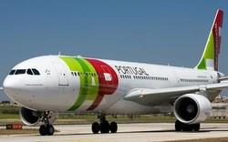 В бразильском аэропорту самолет врезался в башню освещения