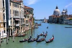 Итальянское консульство срывает туры российским туристам
