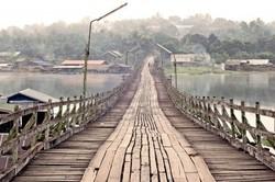 В Таиланде обрушился один из самых длинных в мире мостов