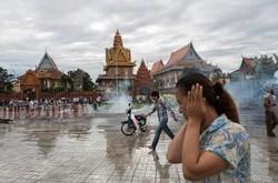 В Камбодже назревает революция, туристам рекомендуют держаться подальше
