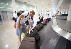 Работники аэропорта Барселоны объявили бессрочную забастовку