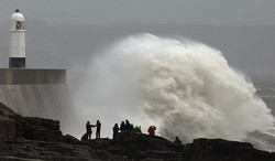 На Англию, Францию и Голландию обрушился мощнейший ураган