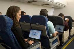 Авиапассажирам в США разрешили пользоваться на борту гаджетами
