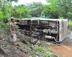 В Таиланде снова попал в аварию автобус с россиянами: 23 пострадавших