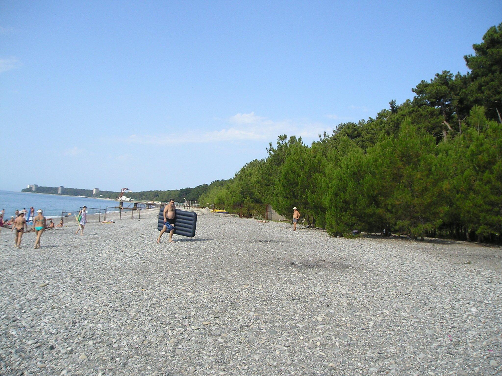 Пляж пицунды рыбзавод фото пляжа