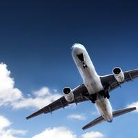 Самолет с треснувшим стеклом вернулся в Красноярск