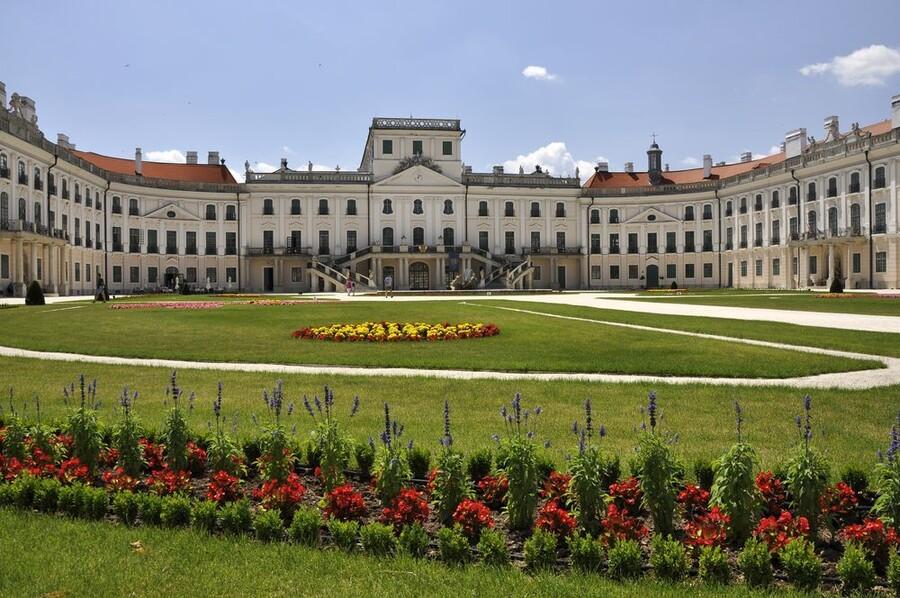 Дворец Эстерхази