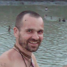 Алек Сакалюк