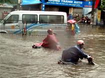 Российские туристы не могут вылететь из Вьетнама из-за дождей