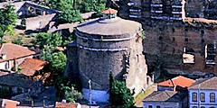 Древнеримская башня Турции приглашает туристов