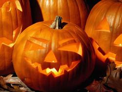 Жители США на Хэллоуин оденутся Обамой и незаконным иммигрантом