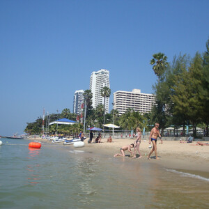Пляж Джомтьен и Аквапарк в Паттайе